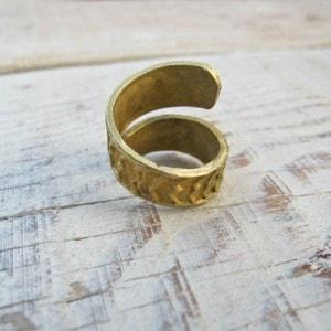 anillo en forma de espiral