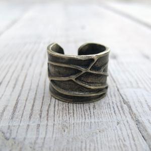 anillo original de latón