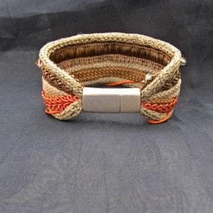 brazalete cordones