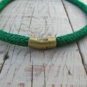 collar de cordón